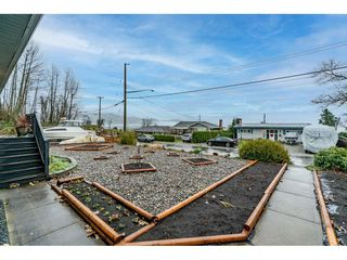 Photo 3: 33717 6TH Avenue in Mission: Mission BC House for sale : MLS®# R2526347