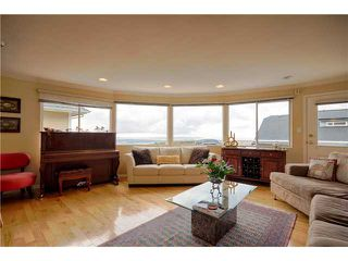 Photo 5: 4041 ST GEORGES Avenue in North Vancouver: Upper Lonsdale House for sale : MLS®# V992486