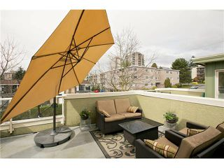 "Photo 3: 520 ST GEORGES Avenue in North Vancouver: Lower Lonsdale Townhouse for sale in ""STREAMLNE PLACE"" : MLS®# V1055131"