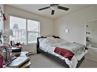 "Photo 10: 520 ST GEORGES Avenue in North Vancouver: Lower Lonsdale Townhouse for sale in ""STREAMLNE PLACE"" : MLS®# V1055131"