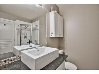 "Photo 9: 520 ST GEORGES Avenue in North Vancouver: Lower Lonsdale Townhouse for sale in ""STREAMLNE PLACE"" : MLS®# V1055131"