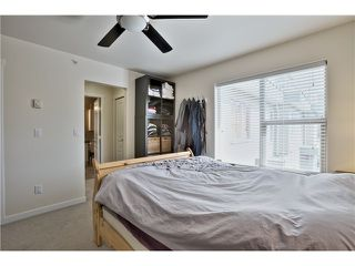 "Photo 7: 520 ST GEORGES Avenue in North Vancouver: Lower Lonsdale Townhouse for sale in ""STREAMLNE PLACE"" : MLS®# V1055131"