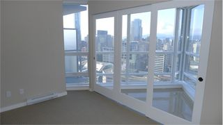 "Photo 8: 2210 833 SEYMOUR Street in Vancouver: Downtown VW Condo for sale in ""Capitol Residences"" (Vancouver West)  : MLS®# V1056277"