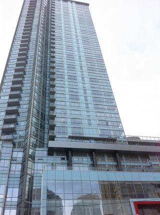 "Photo 2: 2210 833 SEYMOUR Street in Vancouver: Downtown VW Condo for sale in ""Capitol Residences"" (Vancouver West)  : MLS®# V1056277"