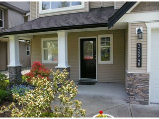 "Photo 2: 32940 BOOTHBY Avenue in Mission: Mission BC House for sale in ""CEDAR VALLEY"" : MLS®# F1411067"
