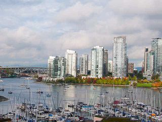 "Photo 1: PH5 522 MOBERLY Road in Vancouver: False Creek Condo for sale in ""DISCOVERY QUAY"" (Vancouver West)  : MLS®# V1089652"