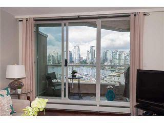 "Photo 3: PH5 522 MOBERLY Road in Vancouver: False Creek Condo for sale in ""DISCOVERY QUAY"" (Vancouver West)  : MLS®# V1089652"