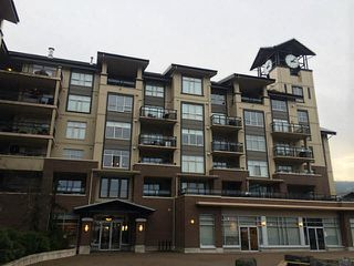 "Photo 1: 411 1211 VILLAGE GREEN Way in Squamish: Downtown SQ Condo for sale in ""ROCKCLIFFE"" : MLS®# V1097477"