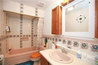 Photo 2: 190 Cedar Avenue in Richmond Hill: Harding House (Bungalow) for sale : MLS®# N3131080