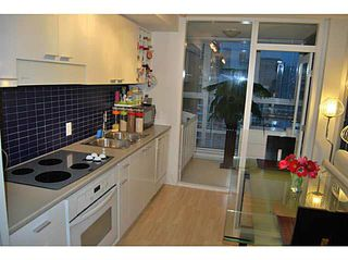 """Photo 8: 2805 111 W GEORGIA Street in Vancouver: Downtown VW Condo for sale in """"SPECTRUM 1"""" (Vancouver West)  : MLS®# V1111393"""
