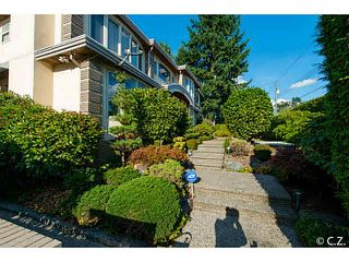 Photo 2: 6789 ADAIR Street in Burnaby: Montecito House for sale (Burnaby North)  : MLS®# V1138372
