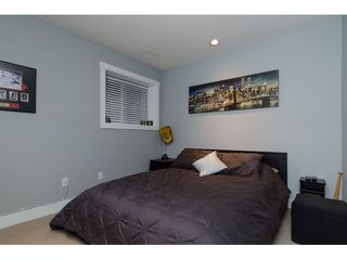 Photo 18: 45 2453 163 Street in Surrey: Grandview Surrey Townhouse for sale (South Surrey White Rock)  : MLS®# R2011671