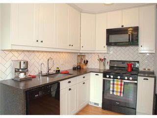 Photo 18: 3211 KILKENNY Road SW in Calgary: Killarney/Glengarry House for sale : MLS®# C4040457