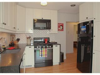 Photo 19: 3211 KILKENNY Road SW in Calgary: Killarney/Glengarry House for sale : MLS®# C4040457