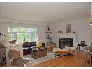 Photo 11: 3211 KILKENNY Road SW in Calgary: Killarney/Glengarry House for sale : MLS®# C4040457