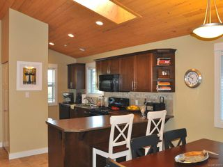 Photo 3: 256 1130 RESORT DRIVE in PARKSVILLE: PQ Parksville Row/Townhouse for sale (Parksville/Qualicum)  : MLS®# 726572