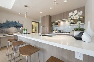 "Main Photo: 611 68 SMITHE Street in Vancouver: Yaletown Condo for sale in ""One Pacific"" (Vancouver West)  : MLS®# R2092702"