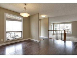 Photo 10: 4 WOODBROOK Way SW in Calgary: Bungalow for sale : MLS®# C3517374