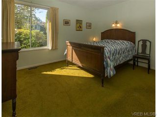 Photo 16: 829 Leota Pl in VICTORIA: SE Cordova Bay House for sale (Saanich East)  : MLS®# 742454