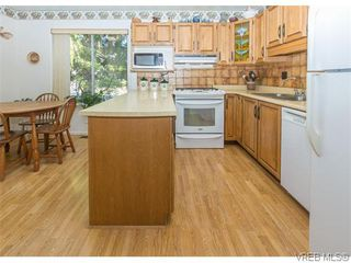 Photo 7: 829 Leota Pl in VICTORIA: SE Cordova Bay House for sale (Saanich East)  : MLS®# 742454