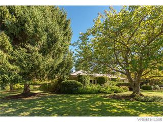Photo 2: 829 Leota Pl in VICTORIA: SE Cordova Bay Single Family Detached for sale (Saanich East)  : MLS®# 742454