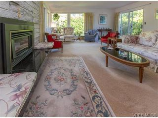 Photo 4: 829 Leota Pl in VICTORIA: SE Cordova Bay Single Family Detached for sale (Saanich East)  : MLS®# 742454