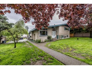 "Photo 2: 8567 152 Street in Surrey: Bear Creek Green Timbers House for sale in ""Bear Creek Timbers"" : MLS®# R2166285"
