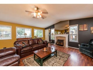"Photo 4: 8567 152 Street in Surrey: Bear Creek Green Timbers House for sale in ""Bear Creek Timbers"" : MLS®# R2166285"