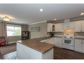 """Photo 3: 5098 215 Street in Langley: Murrayville House for sale in """"Murrayville"""" : MLS®# R2170042"""