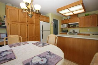 """Photo 2: 5 2988 HORN Street in Abbotsford: Central Abbotsford Townhouse for sale in """"Creekside Park"""" : MLS®# R2193162"""