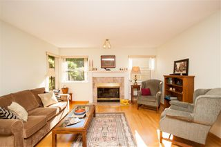 "Photo 3: 2884 MT SEYMOUR Parkway in North Vancouver: Blueridge NV Townhouse for sale in ""MCCARTNEY LANE"" : MLS®# R2202290"