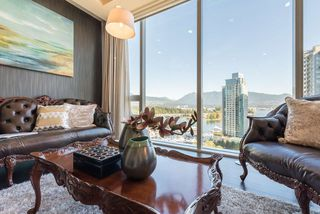 "Photo 11: 1702 1277 MELVILLE Street in Vancouver: Coal Harbour Condo for sale in ""FLATIRON"" (Vancouver West)  : MLS®# R2206172"