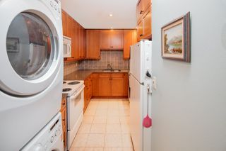 "Photo 5: 603 WESTVIEW Place in North Vancouver: Upper Lonsdale Townhouse for sale in ""Cypress Gardens"" : MLS®# R2211101"