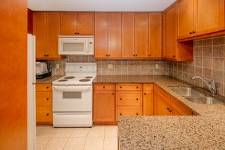"Photo 4: 603 WESTVIEW Place in North Vancouver: Upper Lonsdale Townhouse for sale in ""Cypress Gardens"" : MLS®# R2211101"