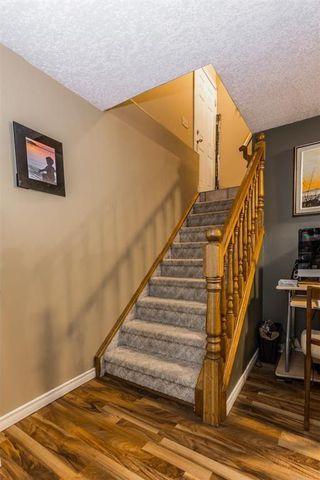 Photo 19: 536 BRACEWOOD Drive SW in Calgary: Braeside House for sale : MLS®# C4143497