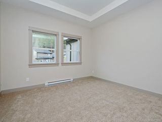 Photo 9: 13 Massey Pl in : VR Six Mile Row/Townhouse for sale (View Royal)  : MLS®# 777606