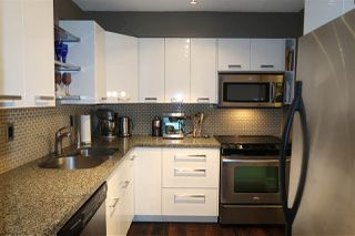 Photo 3: 301 1385 DRAYCOTT ROAD in North Vancouver: Lynn Valley Condo for sale : MLS®# R2193086
