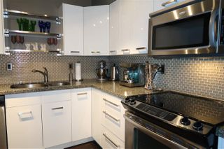 Photo 2: 301 1385 DRAYCOTT ROAD in North Vancouver: Lynn Valley Condo for sale : MLS®# R2193086
