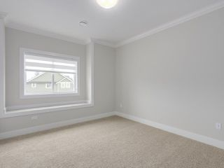 """Photo 14: 18415 59A Avenue in Surrey: Cloverdale BC House for sale in """"CLOVERDALE"""" (Cloverdale)  : MLS®# R2251135"""
