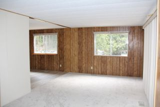 Photo 3: 63873 TOM BERRY Road in Hope: Hope Silver Creek Manufactured Home for sale : MLS®# R2254433