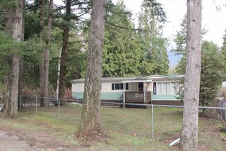 Photo 1: 63873 TOM BERRY Road in Hope: Hope Silver Creek Manufactured Home for sale : MLS®# R2254433