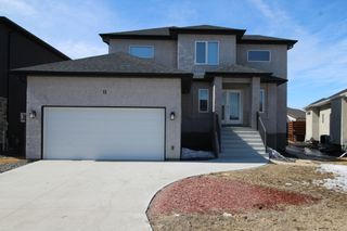 Photo 1: 37 Lakebourne Place in Winnipeg: Amber Trails Single Family Detached for sale (4F)  : MLS®# 1808522