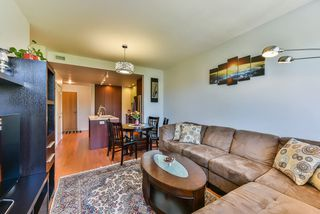 "Photo 9: 512 221 E 3RD Street in North Vancouver: Lower Lonsdale Condo for sale in ""ORIZON"" : MLS®# R2276103"