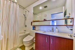 "Photo 15: 512 221 E 3RD Street in North Vancouver: Lower Lonsdale Condo for sale in ""ORIZON"" : MLS®# R2276103"
