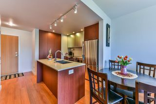 "Photo 7: 512 221 E 3RD Street in North Vancouver: Lower Lonsdale Condo for sale in ""ORIZON"" : MLS®# R2276103"