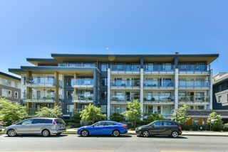 "Photo 1: 512 221 E 3RD Street in North Vancouver: Lower Lonsdale Condo for sale in ""ORIZON"" : MLS®# R2276103"