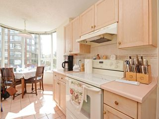 "Photo 7: 501 1845 ROBSON Street in Vancouver: West End VW Condo for sale in ""SUNDIAL PLACE"" (Vancouver West)  : MLS®# R2294334"