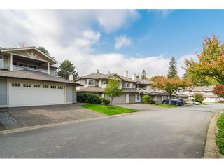 "Photo 2: 170 20391 96 Avenue in Langley: Walnut Grove Townhouse for sale in ""Chelsea Green"" : MLS®# R2314895"