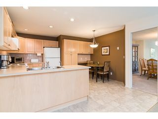 "Photo 9: 170 20391 96 Avenue in Langley: Walnut Grove Townhouse for sale in ""Chelsea Green"" : MLS®# R2314895"