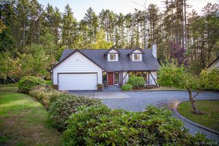Photo 3: 677 Woodcreek Dr in NORTH SAANICH: NS Deep Cove House for sale (North Saanich)  : MLS®# 799765